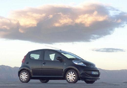 PEUGEOT 107 I hatchback czarny przedni prawy