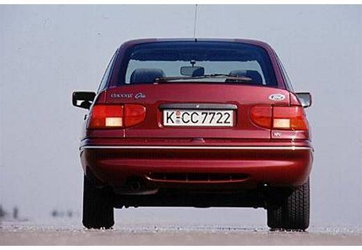 FORD Escort III hatchback bordeaux (czerwony ciemny) tylny