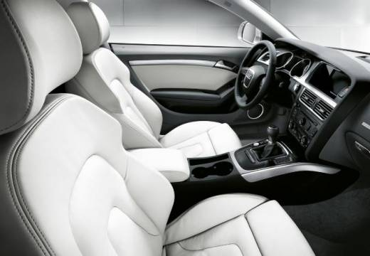 AUDI A5 coupe silver grey wnętrze