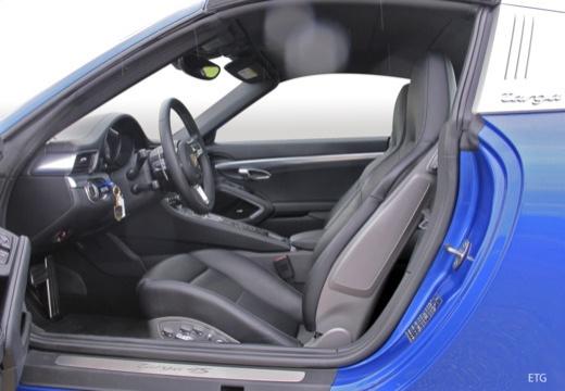 PORSCHE 911 991 II coupe wnętrze