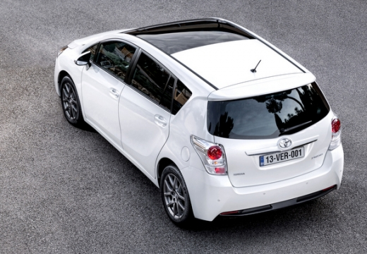 Toyota Verso, универсал, mpv белый задний левый