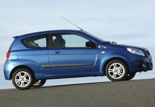 CHEVROLET Aveo hatchback niebieski jasny boczny prawy