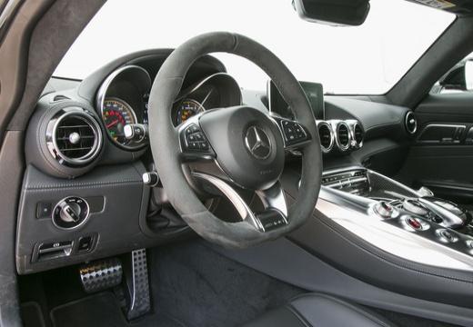 MERCEDES-BENZ Mercedes AMG GT coupe niebieski jasny tablica rozdzielcza