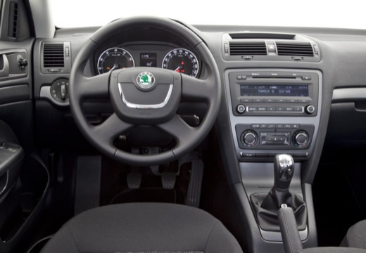 SKODA Octavia II II hatchback tablica rozdzielcza