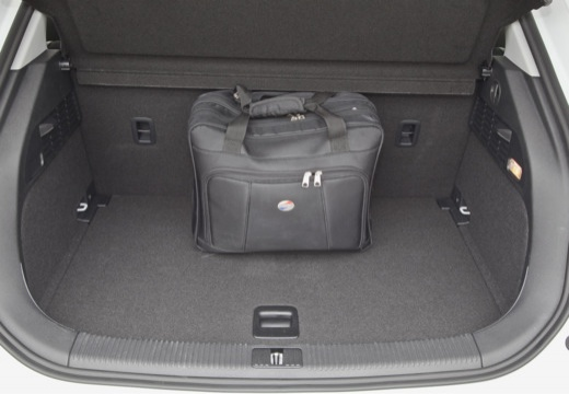 AUDI A1 Sportback I hatchback przestrzeń załadunkowa