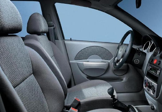 CHEVROLET Aveo I sedan wnętrze