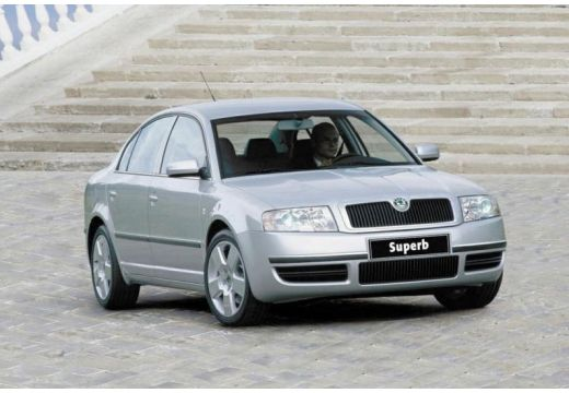 SKODA Superb II sedan silver grey przedni prawy