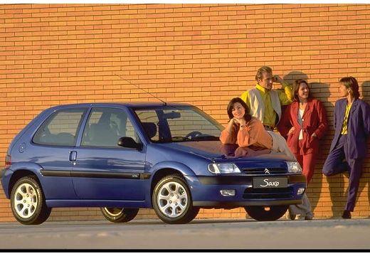 CITROEN Saxo hatchback niebieski jasny przedni prawy
