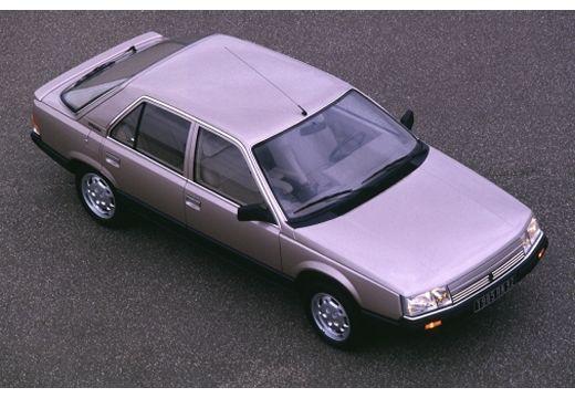RENAULT R25 hatchback górny przedni