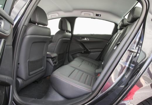 PEUGEOT 508 sedan wnętrze