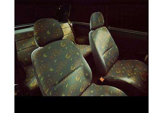 SEAT Marbella hatchback wnętrze