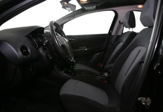 FIAT Bravo II hatchback czarny wnętrze