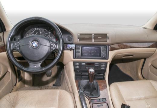 BMW Seria 5 E39 sedan tablica rozdzielcza