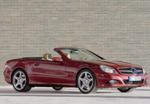 MERCEDES-BENZ Klasa SL roadster czerwony jasny przedni prawy