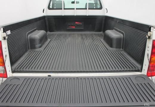 Toyota HiLux IV pickup przestrzeń załadunkowa