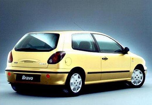 FIAT Bravo I hatchback żółty tylny prawy