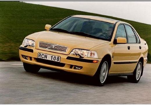 VOLVO S40 II sedan żółty przedni lewy