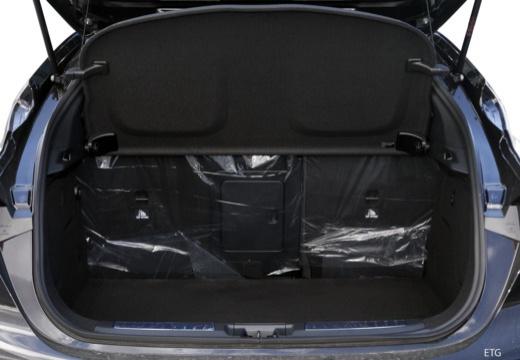 INFINITI Q30 I hatchback przestrzeń załadunkowa