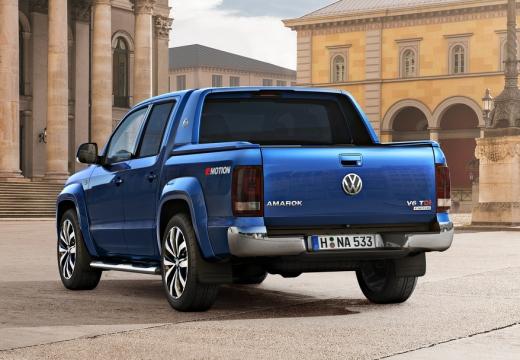 VOLKSWAGEN Amarok II pickup niebieski jasny tylny lewy