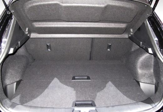 NISSAN Qashqai IV hatchback przestrzeń załadunkowa