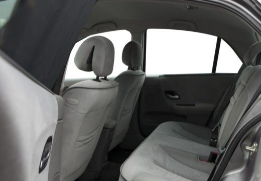 RENAULT Laguna II I hatchback wnętrze