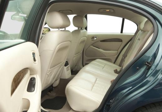 JAGUAR S-Type II sedan zielony wnętrze