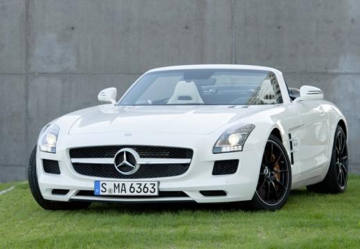 MERCEDES-BENZ SLS AMG roadster biały przedni lewy
