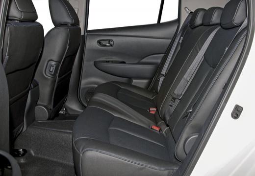 NISSAN Leaf II hatchback wnętrze