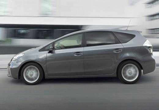 Toyota Prius + I kombi silver grey boczny lewy