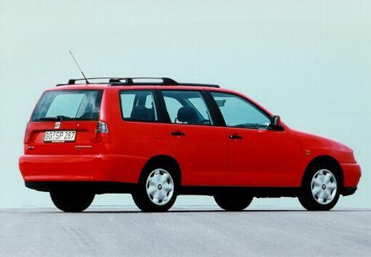 SEAT Cordoba kombi czerwony jasny tylny prawy