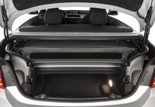 BMW Seria 4 Cabrio F33 kabriolet przestrzeń załadunkowa
