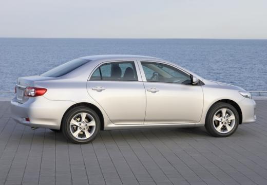 Toyota Corolla II sedan silver grey tylny prawy