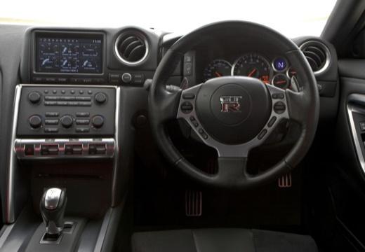 NISSAN GT-R I coupe tablica rozdzielcza