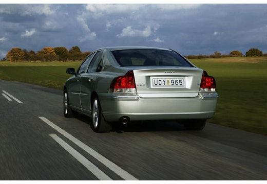VOLVO S60 II sedan
