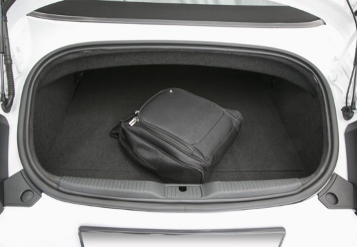 AUDI TT III roadster przestrzeń załadunkowa