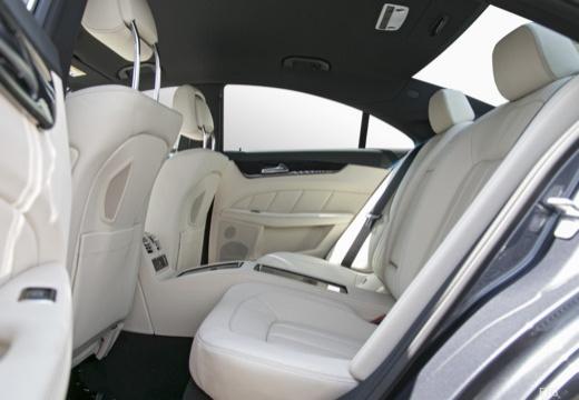 MERCEDES-BENZ Klasa CLS C 218 II sedan wnętrze