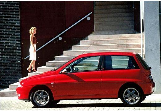 LANCIA Y I hatchback czerwony jasny boczny lewy