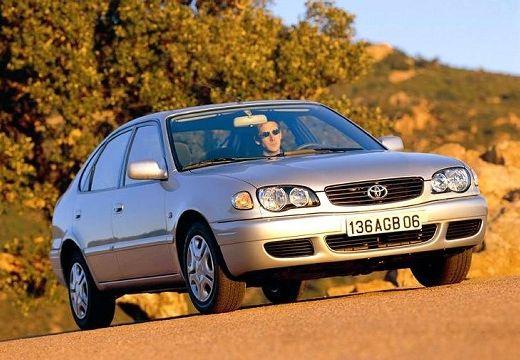 Toyota Corolla hatchback silver grey przedni prawy