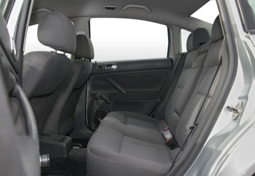 VOLKSWAGEN Passat IV sedan silver grey wnętrze