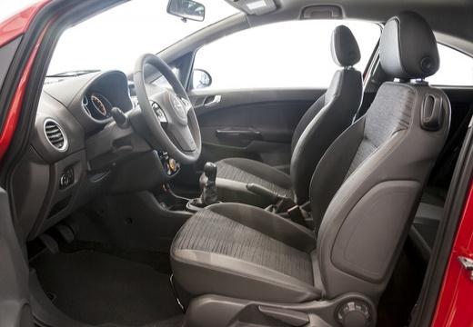 OPEL Corsa D II hatchback czerwony jasny wnętrze