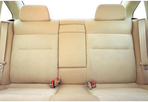 VOLKSWAGEN Passat IV sedan wnętrze