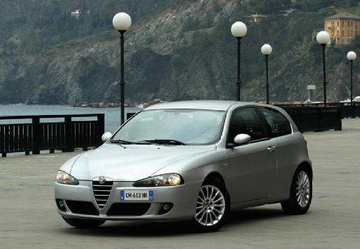 ALFA ROMEO 147 II hatchback silver grey przedni lewy