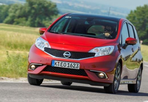 NISSAN Note hatchback czerwony jasny przedni lewy