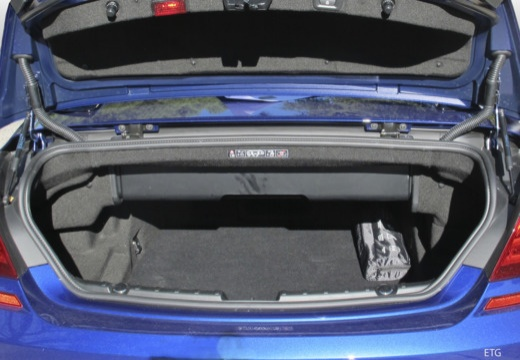 BMW Seria 6 Cabriolet F12 II kabriolet przestrzeń załadunkowa
