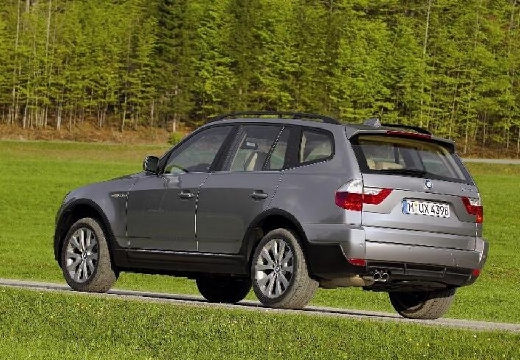 BMW X3 kombi szary ciemny tylny lewy