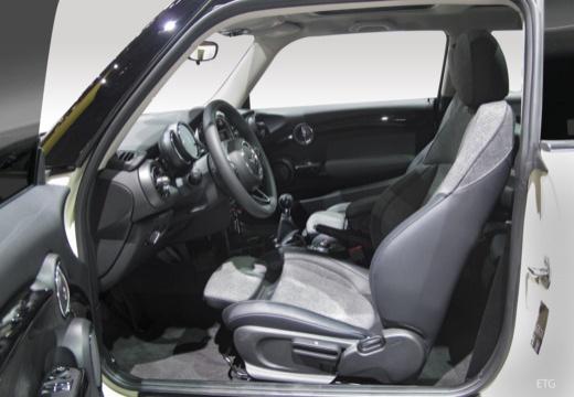 MINI [BMW] Mini MINI One V hatchback wnętrze