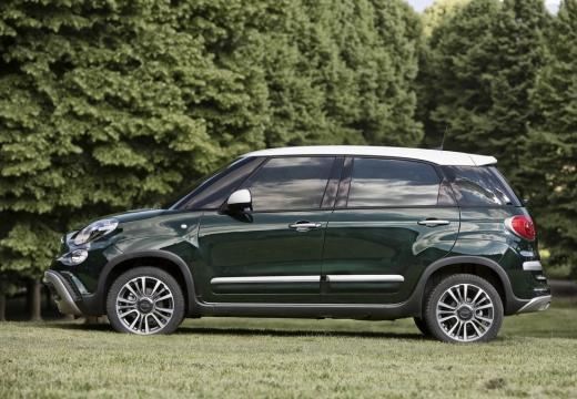 FIAT 500 L II hatchback zielony boczny lewy