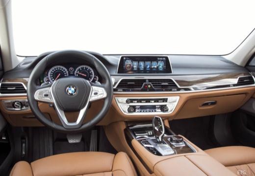 BMW Seria 7 sedan tablica rozdzielcza