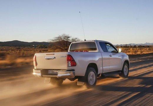 Toyota HiLux pickup biały tylny prawy