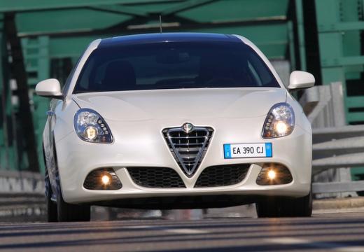 ALFA ROMEO Giulietta I hatchback biały przedni